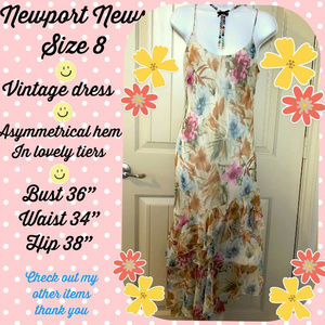 RARE Vintage Newport News floral tiered dress 8